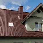 Чем покрыть крышу на даче: создаем надежную кровлю недорого