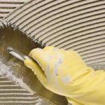 Как выбрать клей для монтирования плитки?
