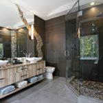 Какие отделочные материалы сделают ванную комнату красивой и практичной