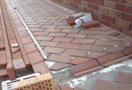 Как сделать отмостку из тротуарной плитки