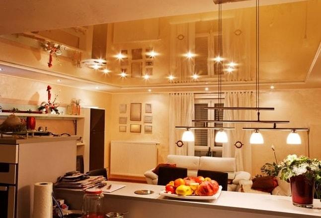 натяжной потолок-освещение