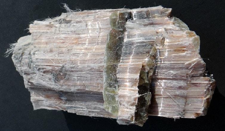 Асбест – натуральный природный минерал